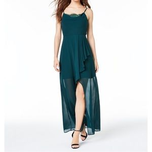 Green dress 👗 very nice dress new whit tags
